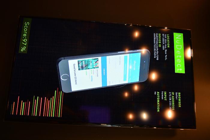 moderne technologie pour vérification des paiements de téléphone mobile, écran de téléphone smart avec des données