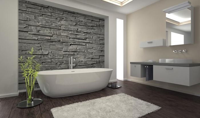 idée revêtement mural pour salle de bain esprit zen, idée carrelage salle de bain à imitation bois foncé, peinture nuance beige