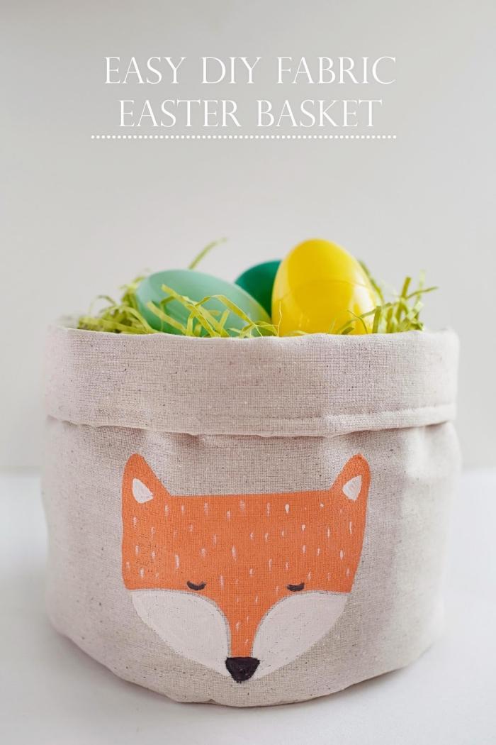 idée deco paques a faire soi meme, comment faire un sac panier en tissu, décorer un tissu avec peinture à motifs animaux