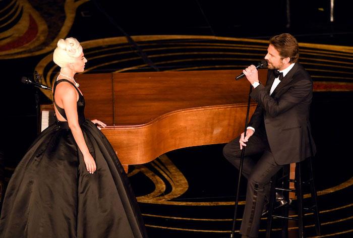 Lady Gaga et Bradley Cooper remportent l'Oscar de la Meilleure Chanson Originale pour Shallow du film A Star Is Born