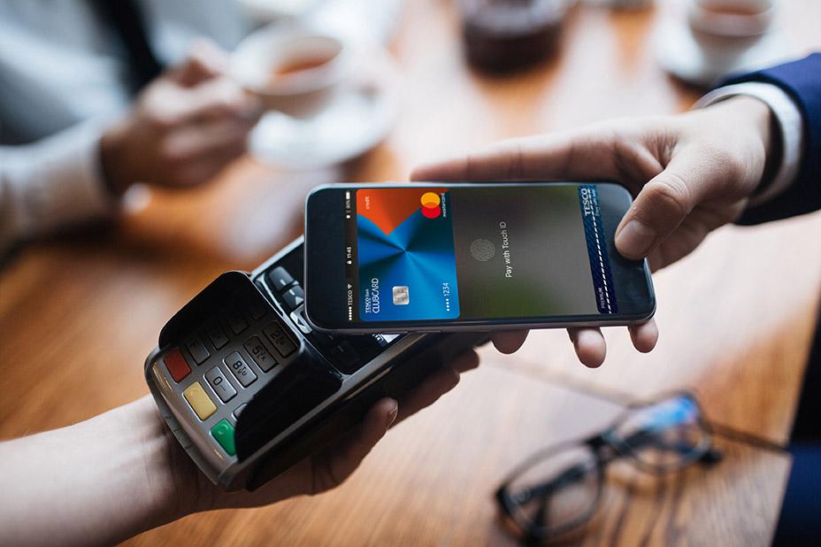 carte bancaire dans le portable comment payer son dejeuner avec son portable