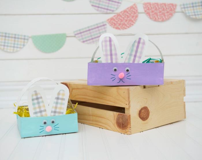 quel bricolage de paques pour enfants, diy panier facile en papier cartonné en forme lapin, visage lapin avec nez en pompons et yeux mobiles