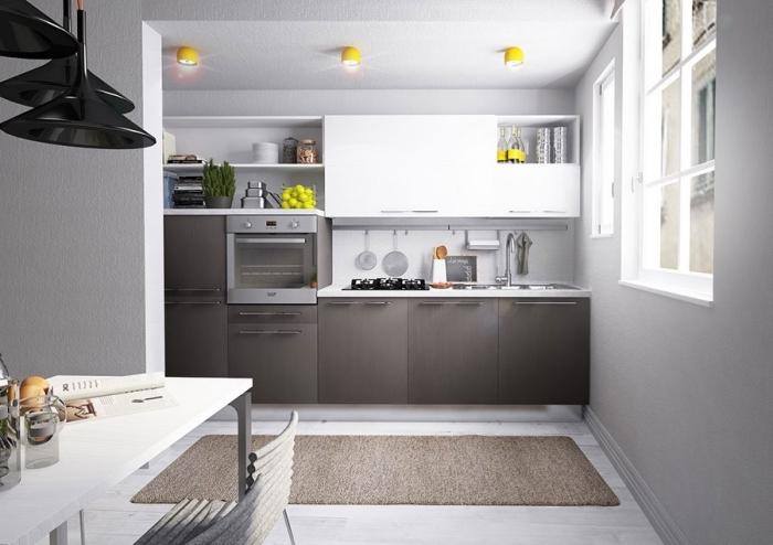 quelle couleur pour les murs d'une cuisine, modèle de cuisine blanche avec meubles bas en gris anthracite et équipement inox