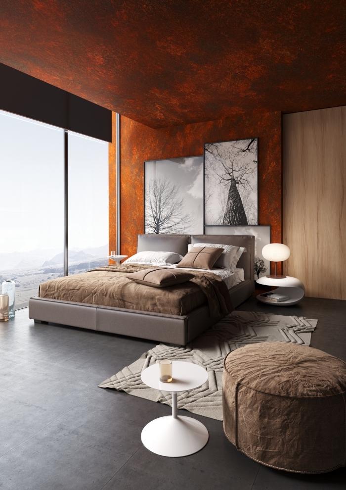 comment aménager une chambre à coucher moderne, exemple revêtement mural chambre adulte, idée peinture effet metal