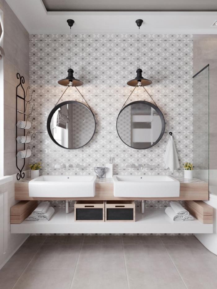 décoration de salle de bain avec double vasque, exemple de plafond suspendu avec éclairage de style industriel