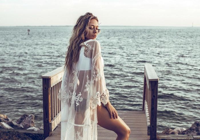 Au bord de la mer, kimono dentelle longue manche longue, style boheme chic, robe bohème chic en dentelle femme stylée