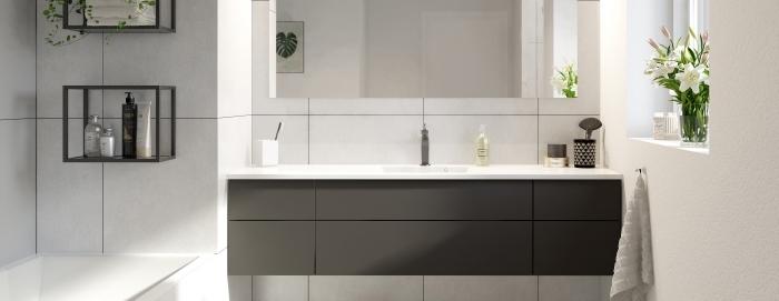 idée agencement espace limité dans une salle de bain moderne, exemple rangement vertical avec étagère en fer