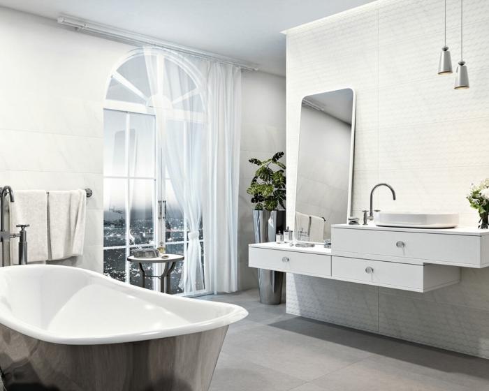 aménagement de salle de bain avec baignoire, meuble salle de bain vasque blanc, modèle éclairage style industriel