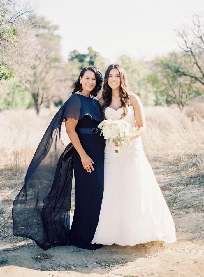 cd7324e7c68 Choisir une robe de cérémonie pour femme de 50 ans   nos conseils et  modèles tendance ...