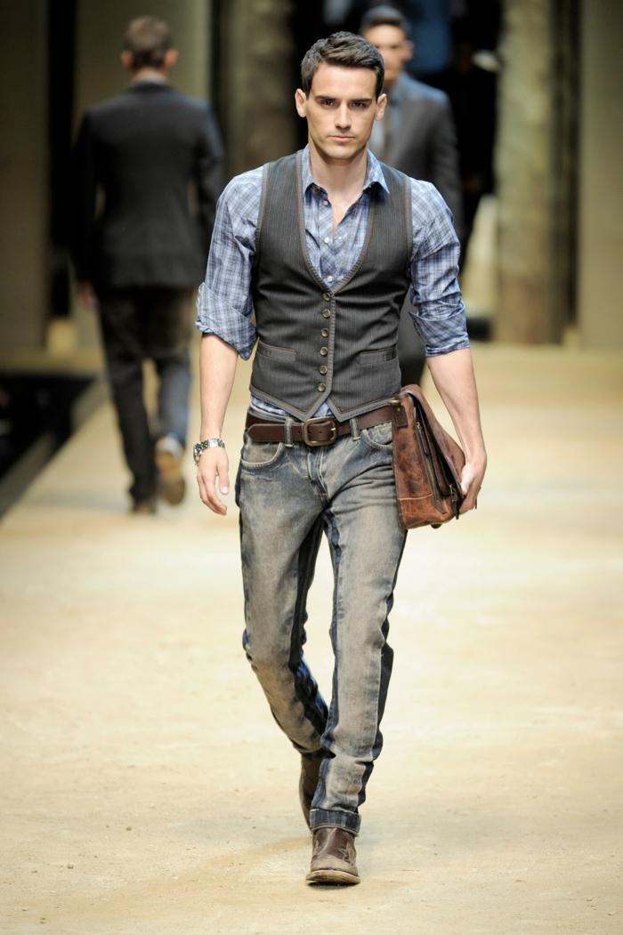 quels accessoires choisir pour un style vestimentaire homme d'affaire moderne, modèle de ceinture en cuir marron