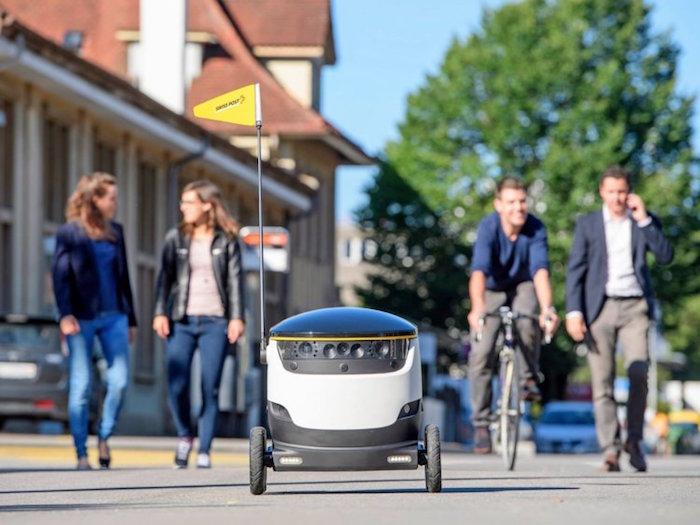 San francisco a banni l'utilisation de robots comme le fedex sameday bot en leur interdisant d'utiliser les trottoirs réservés aux piétons