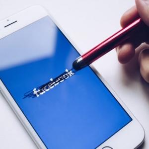 Un mois sans Facebook rendrait plus heureux