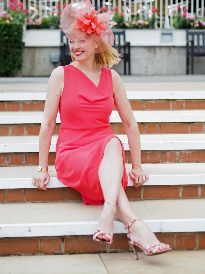 choisir une robe de c r monie pour femme de 50 ans nos conseils et mod les tendance obsigen. Black Bedroom Furniture Sets. Home Design Ideas
