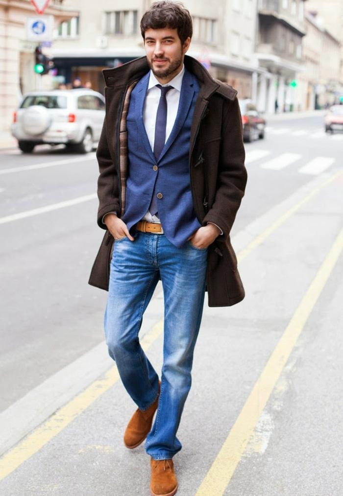 comment assortir une paire de jeans avec blazer et cravate pour une tenue d affaires décontractée homme, modèle de manteau marron homme