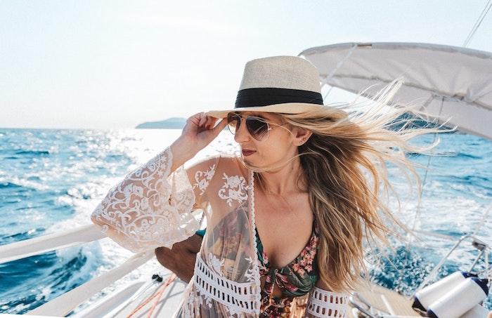 Yacht tenue, beauté féminine, robe noire dentelle, robe dentelle soirée, tenue boheme chic, maillot de bain