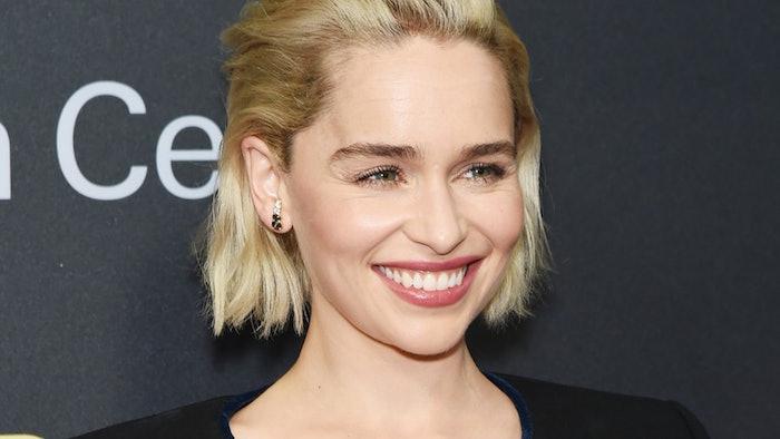 Emilia Clarke de Game of Thrones a écrit un texte au New Yorker pour parler de ses deux attaques cérébrales avc anévrisme