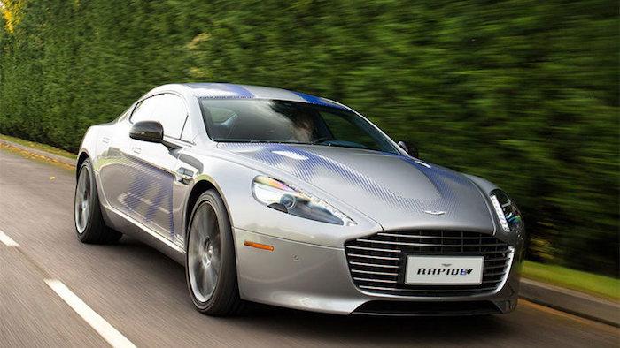 photo de l'Aston Martin Rapide E électrique, prochain véhicule choisi pour accompagner James Bond 007