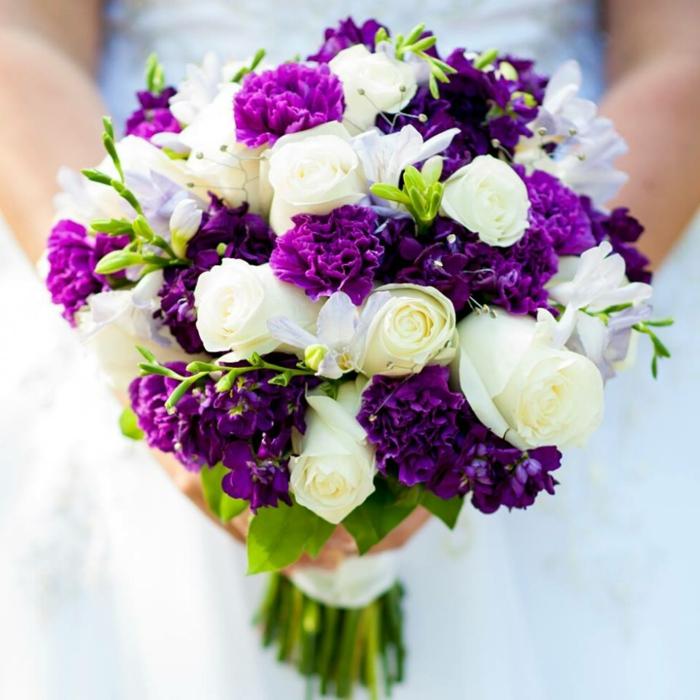 fleur champetre, décoration florale mariage, bouquet en lilas et blanc, bouquet mariée rond