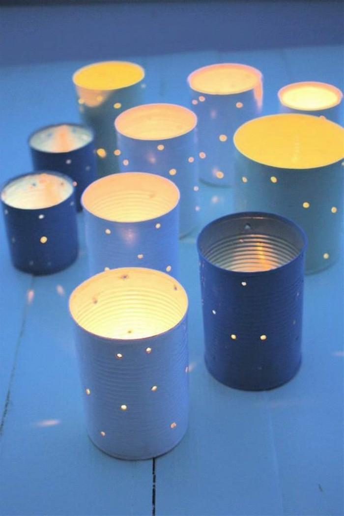 créer des lanternes lumineuses faciles en canettes, comment recycler les vieilles boîtes de conserve en lanterne
