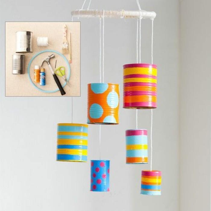 modèle de chandelier diy, idée comment recycler boîtes de conserve, activité manuelle facile pour faire un objet déco chambre enfant