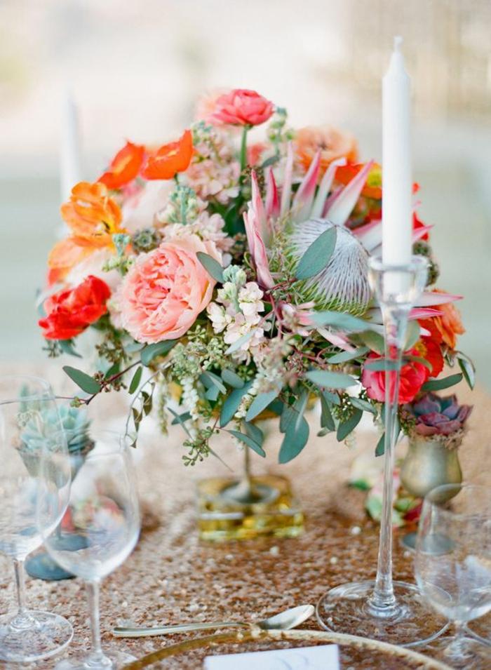 bougeoirs en verre, grand centre de table, bougie blanche, composition florale originale