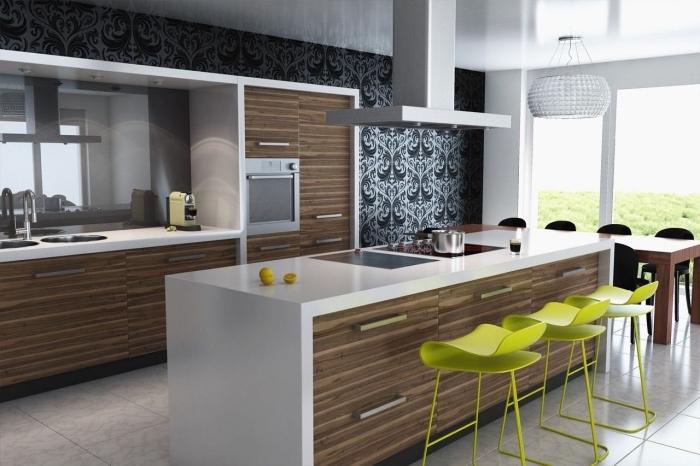modèle de papier peint pour cuisine en noir et gris, revêtement mural cuisine tendance, déco cuisine avec îlot central