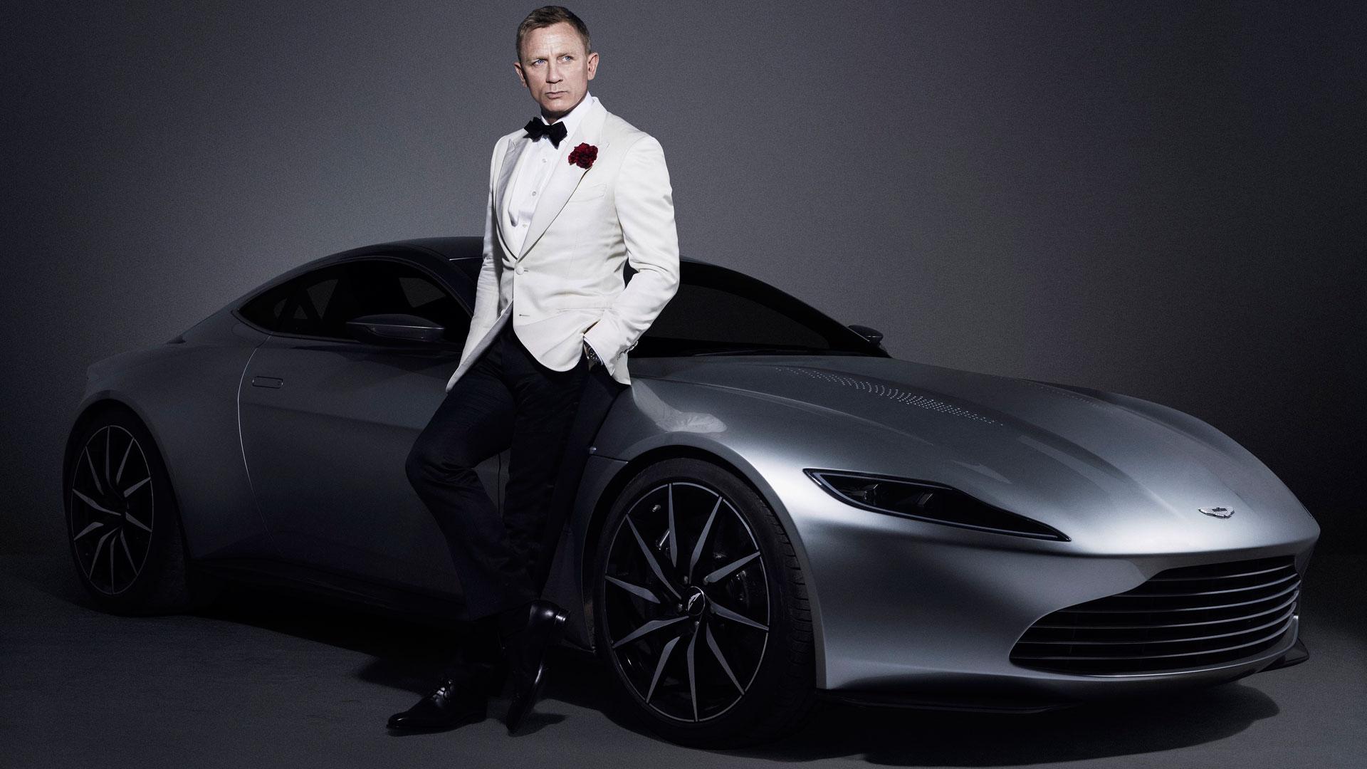 Daniel Craig James Bond et son Aston Martin DB10, bientôt au volant de la Rapide E électrique