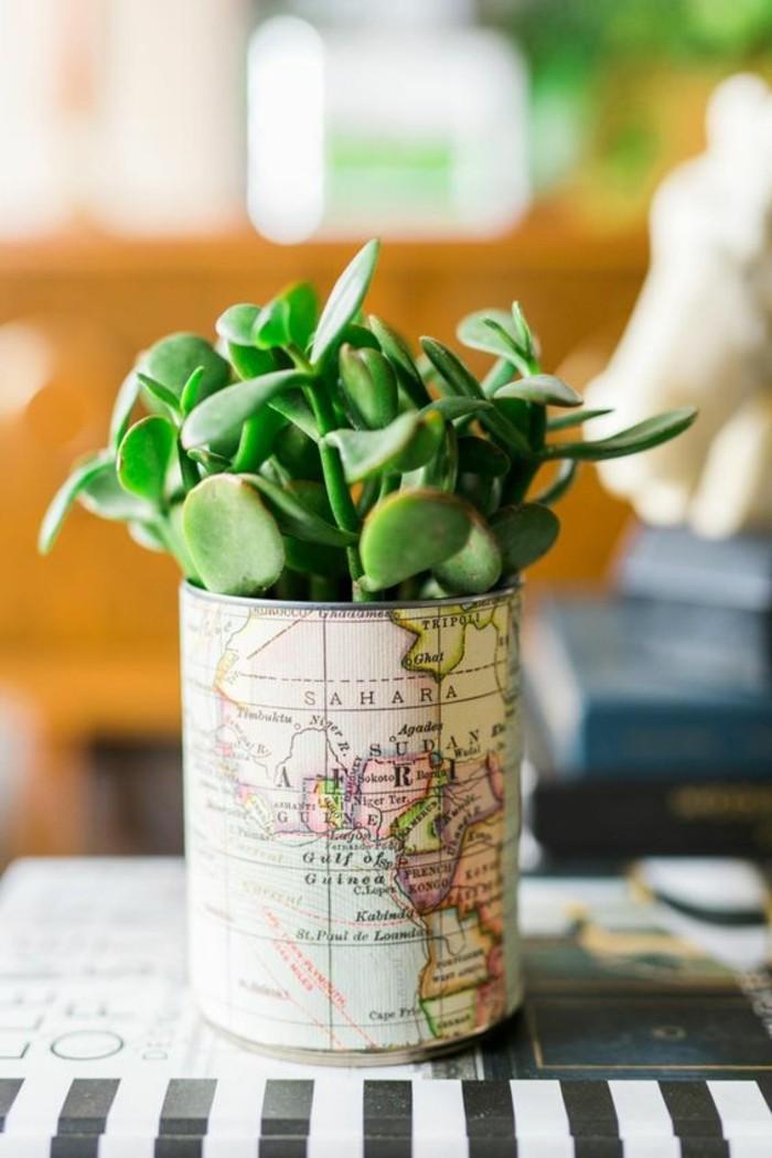 idée comment recycler une boîte conserve, faire un pot à fleur avec canette, modèle vase en aluminium décoré avec papier