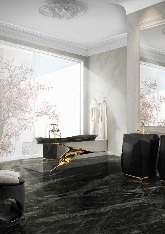 comment décorer une grande salle de bain, quelle couleur avec le gris clair, design luxueux avec carreaux effet marbre