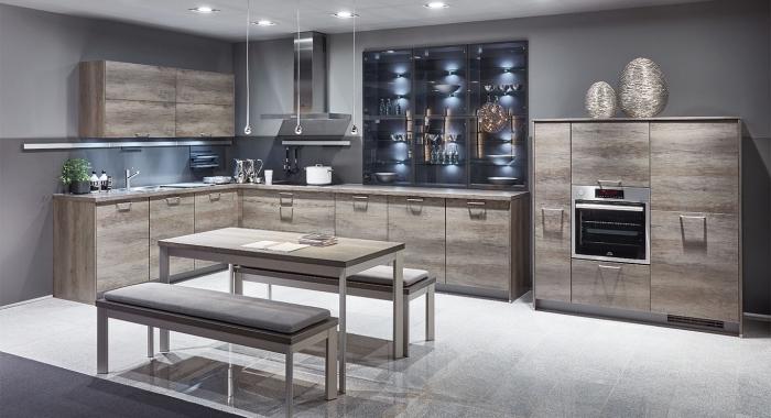 modele de cuisine avec meubles de bois, agencement cuisine avec coin repas, idée éclairage led pour plafond cuisine