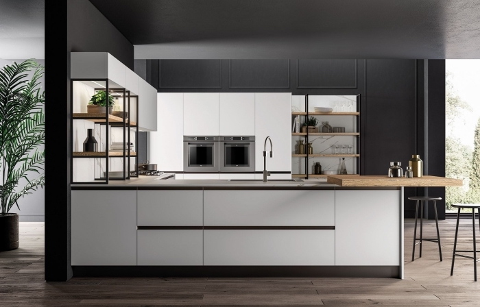 déco de cuisine blanc et noir avec finition bois, couleur mur cuisine avec meuble bois clair, revêtement mural panneaux gris foncé
