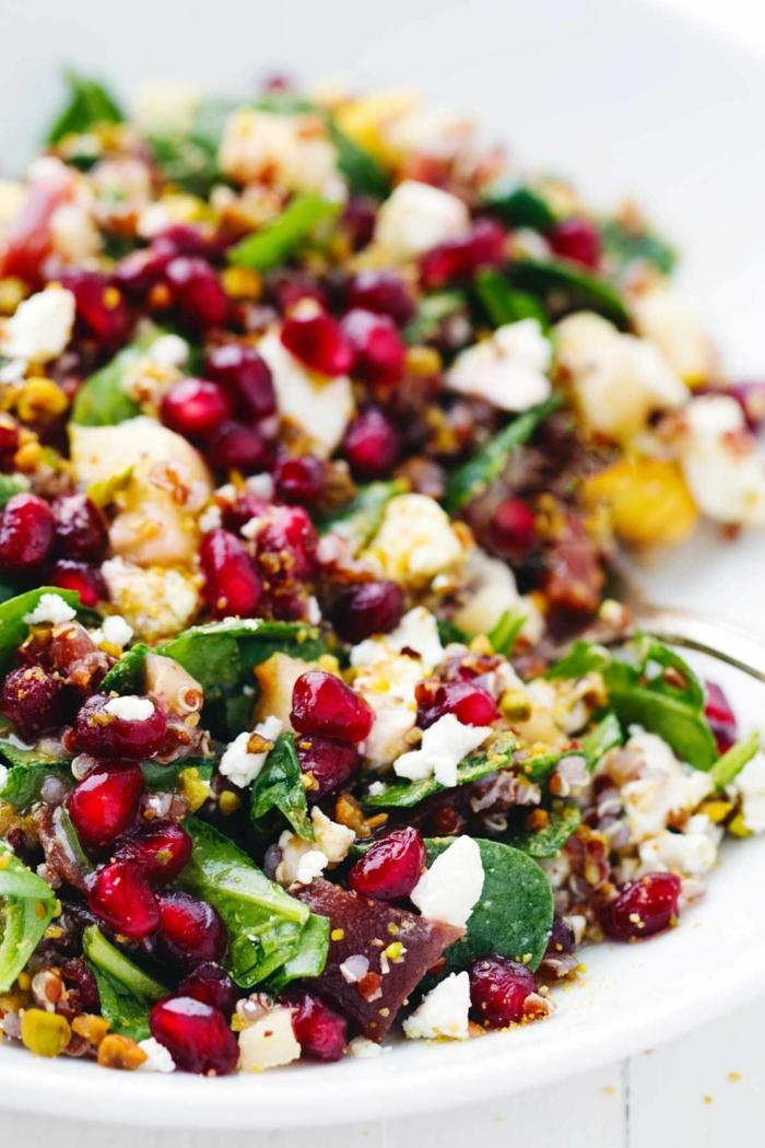 idée salade, graines de grenade, fromage de chèvre, épinards, mangue, betteraves