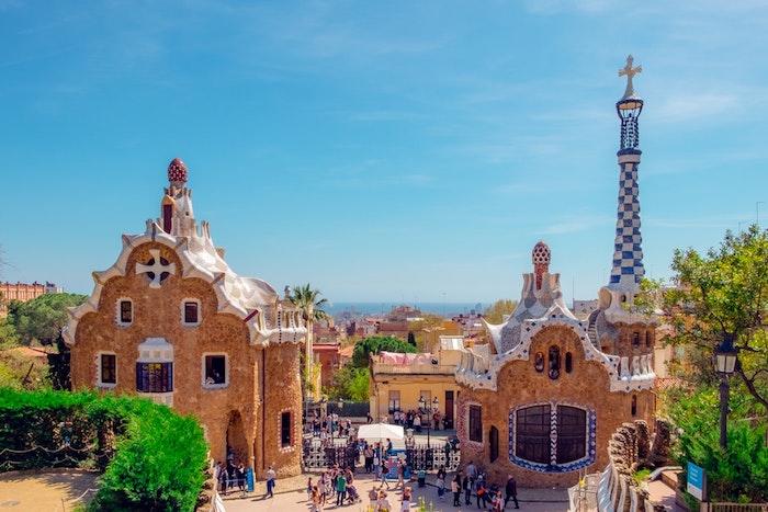 Barcelona beauté vue de parc Guell, fantastique paysage printemps, paysage ville fond d'écran, la mer Méditerranée