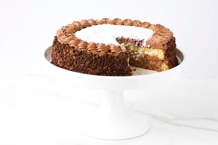 recette sans gluten de gâteau bounty au chocolat et à la noix de coco nappée de ganache montée au chocolat