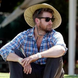 La tenue hippie chic homme - apprivoisez le style bohème