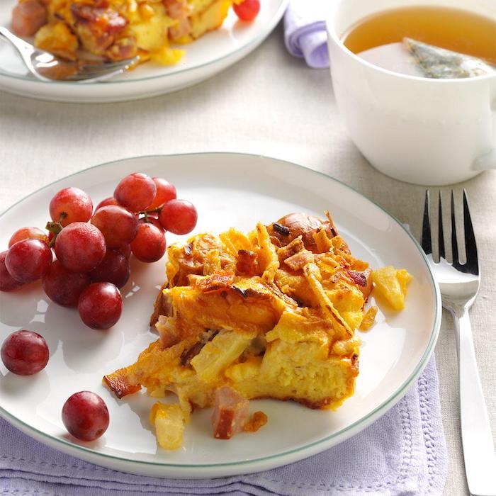 Raisins pour garnir un quiche avec pommes de terre et jambon, idee repas fete de famille, idée recette facile, tapas original