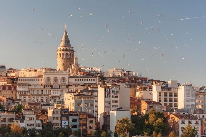 Istanbul ville moderne avec grande histoire, le plus beau paysage ville pour arrière plan ordinateur, image gratuite libre de droit