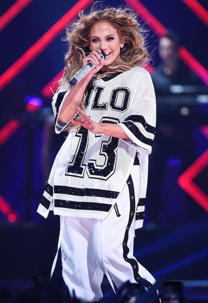 Jennifer Lopez avait rendu hommage à son fiancé Alex Rodriguez en lui dédiant une chanson lors du concert Super Bowl en 2018