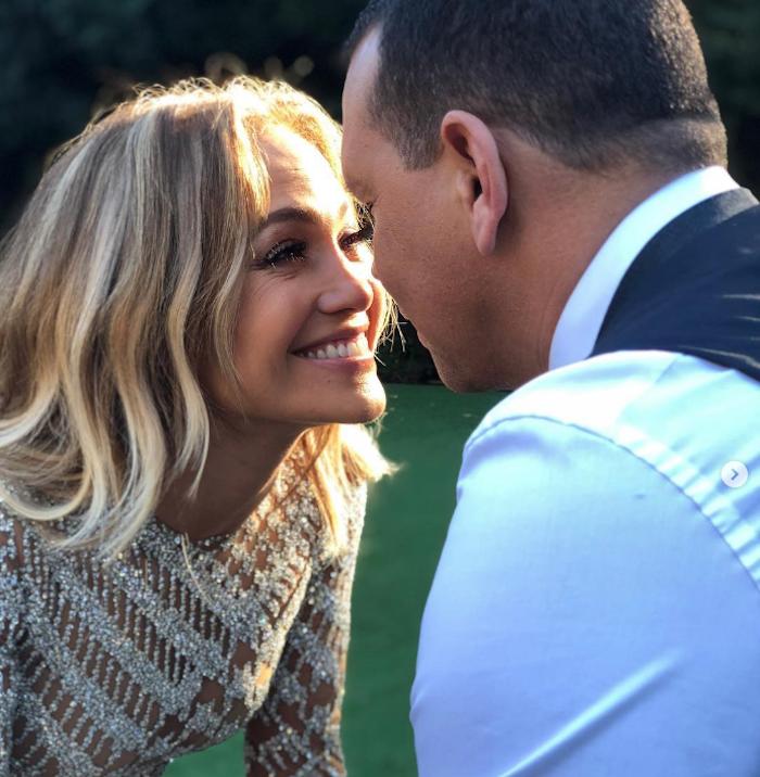 Jennifer Lopez et Alex Rodriguez se sont fiancés aux Bahamas quelques semaines après avoir fêté leur deux ans