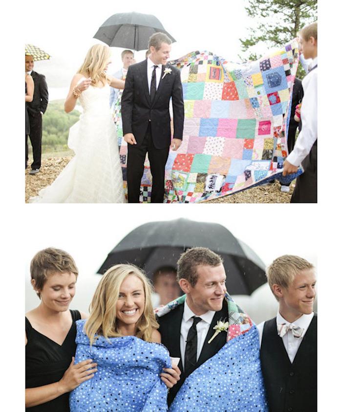 Couple jeu avec une couverture, jeu de groupe drole, idée surprise mariage, cool idée amusement
