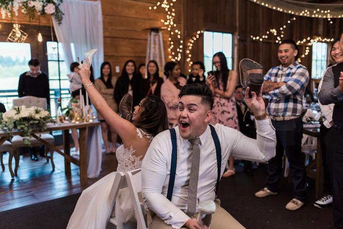 Le jeu de la chaussure, mariage femme et homme répondent aux questions, jeux mariage, idée d'animation mariage, le jour j annimation