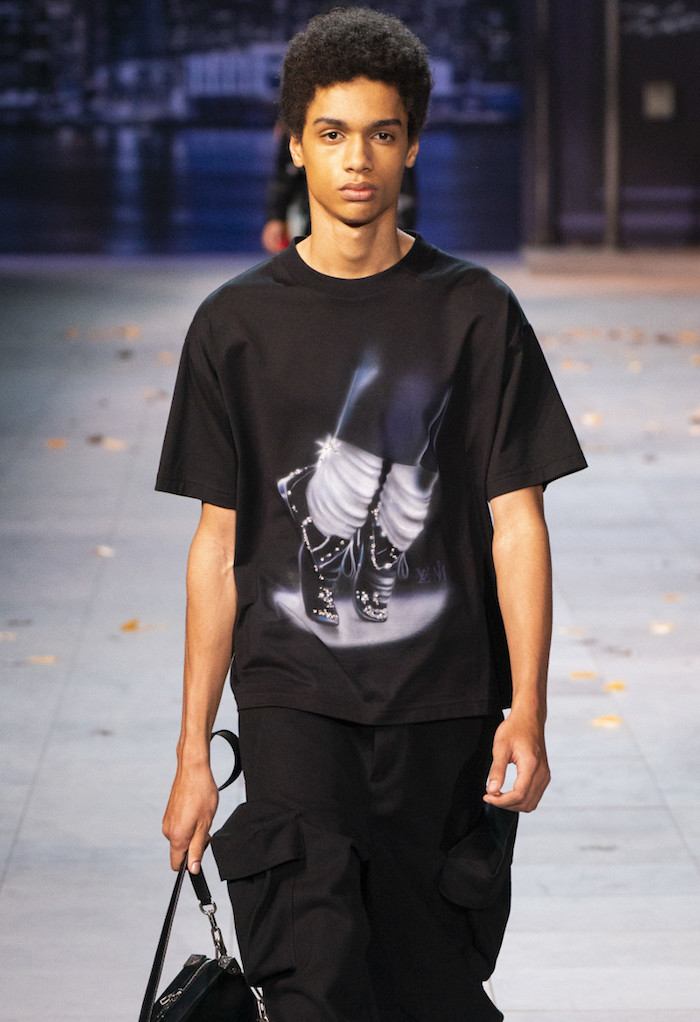 tee shirt issu de la collection automne hiver 19 de Virgil Abloh inspirée par Michael Jackson pour la marque Louis Vuitton
