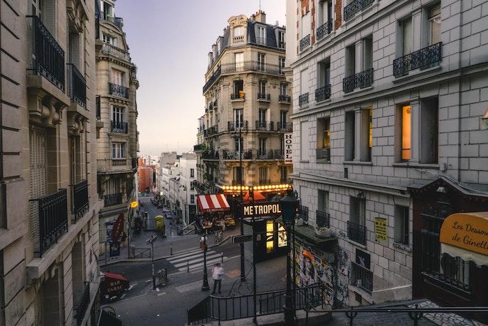 Paris vue de Montmartre quand la nuit vient de tomber, paysage d'hiver, photo de paysage, créer de beauté autour de soi