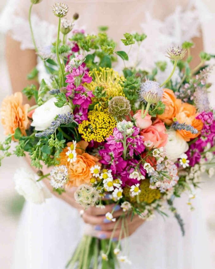bouquet champêtre avec fleurs sauvage, bouquet multicolore, bouquet de fleurs mariage