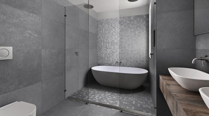modèle salle de bain grise avec meuble vasque bois foncé, salle de bain grise avec équipement en blanc moderne