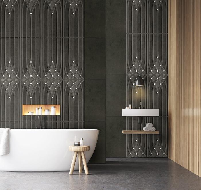 quelle couleur pour salle de bain, revêtement mural de couleur gris anthracite, salle de bain aux murs foncés avec pan de mur en lambris bois