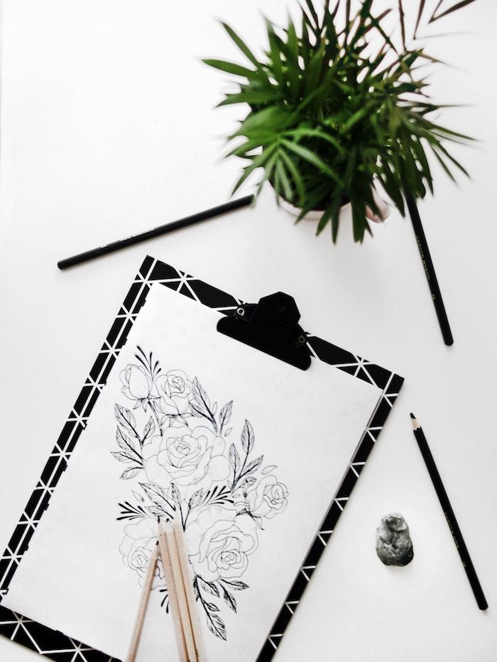 Esquisse fleurs tatouage dessin beau, fleur de rose le plus beau dessin du monde