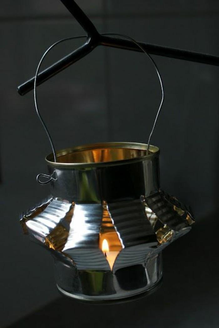 activité manuelle recyclage de canette, fabriquer une lanterne facile en boîte conserve, diy modèle de lanterne