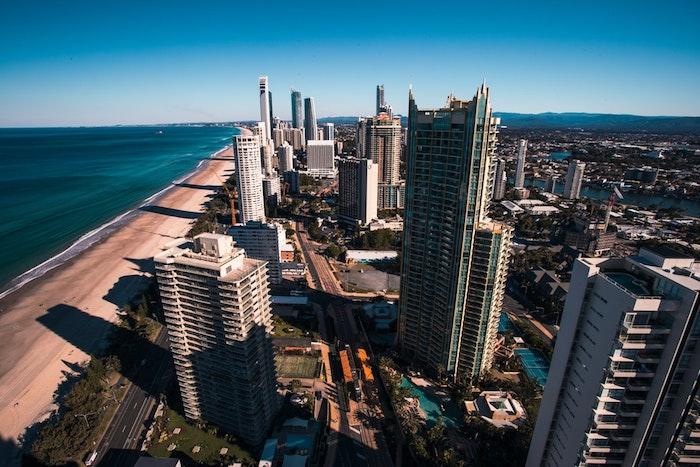California plages et grands bâtiments dessin paysage, fond d'écran paysage urbain, la beauté du monde