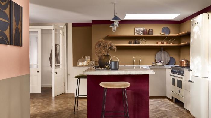 comment associer les couleurs dans une cuisine, modele de cuisine moderne aménagée en L avec îlot central